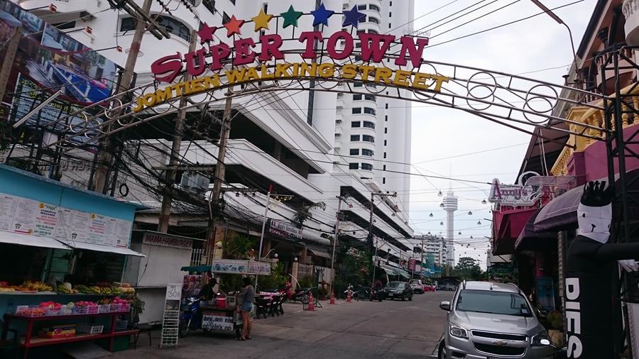 Super Town Jomtien Walking Street