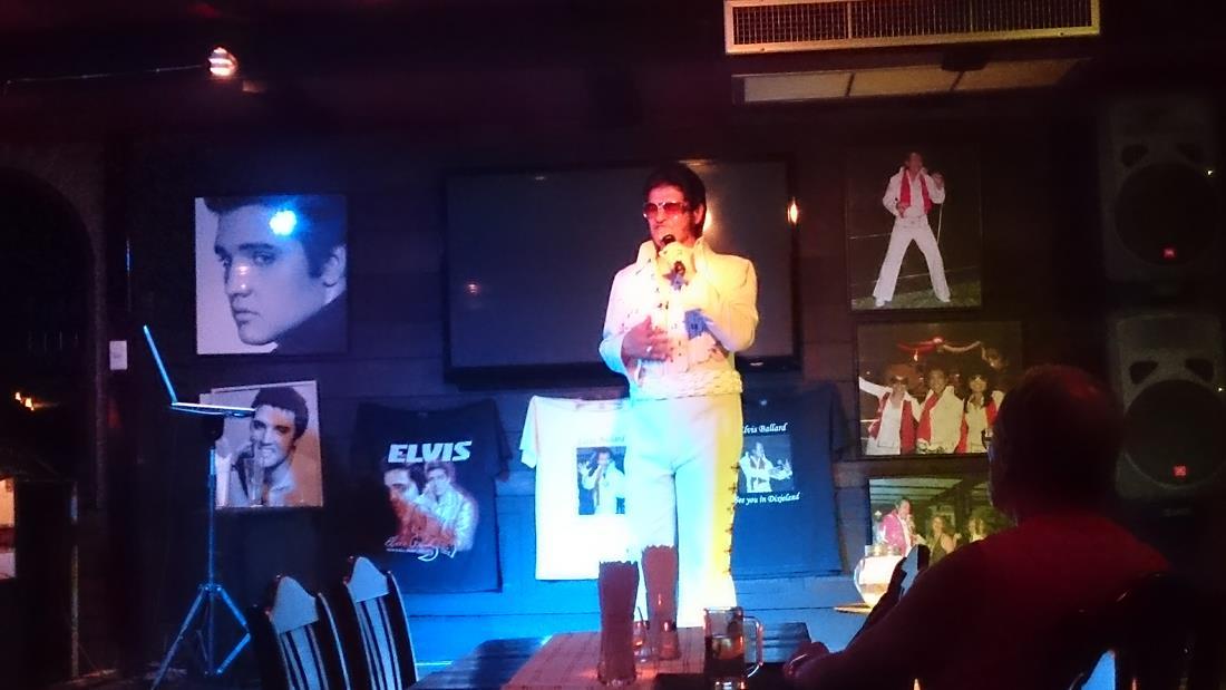 Elvis lever!